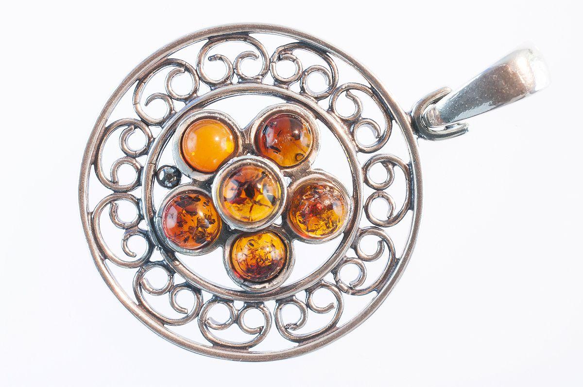 Produktová fotografia - jantárový šperk